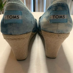 Toms Shoes - Toms espadrille wedge heel peep toe shoe